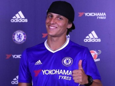 David Luiz re-signed for Chelsea on transfer deadline day. Image courtesy: Twitter/@ChelseaFC