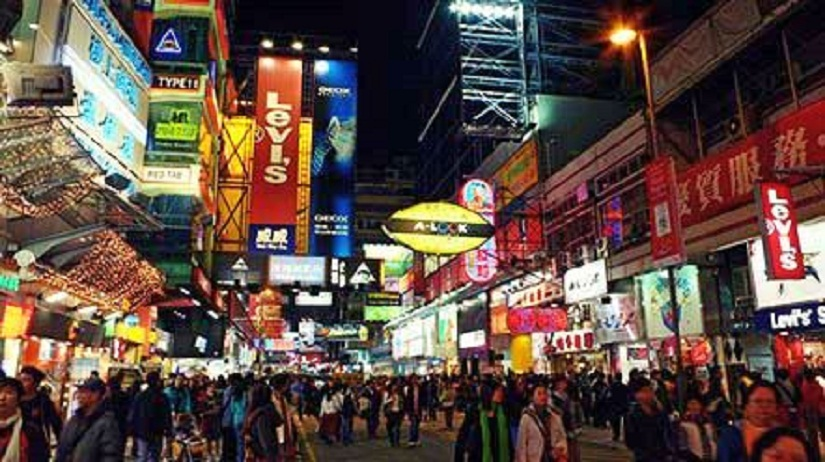 The Hong Kong shopping district. Image courtesy: Creative Commons