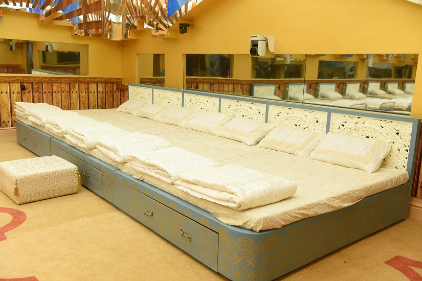 The mammoth bed that sleeps seven