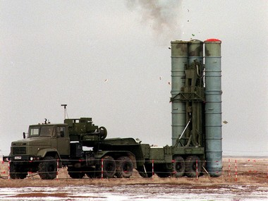 File image of Russian S-400 Triumf air defence system. Reuters