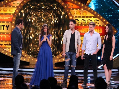 Salman Khan with the wild card contestants on Bigg Boss 10