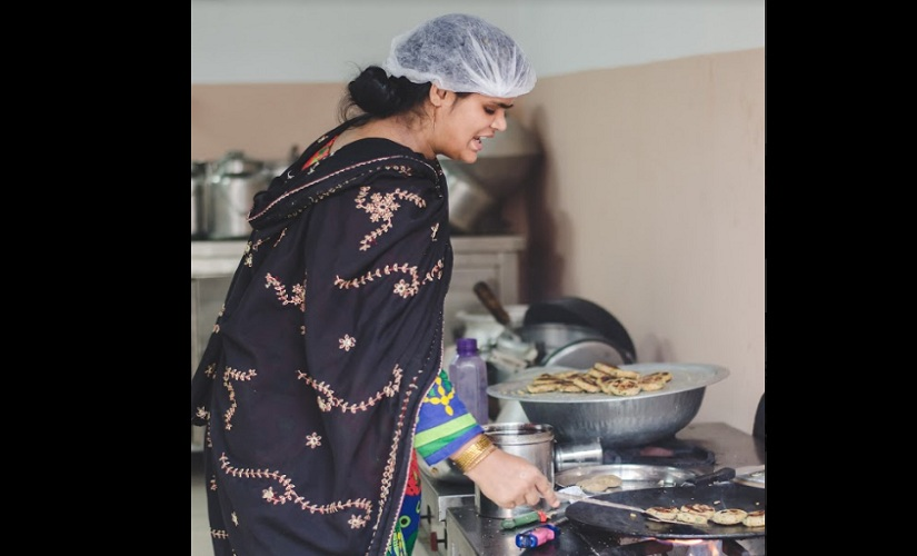 Noor, member of Zaika-e-Nizamuddin, cooking delicious kebabs for home delivery