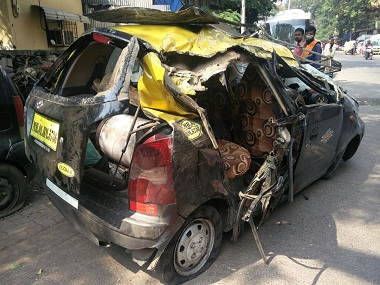 The taxi that met with an accident at Wadi Bunder Junction. Image Courtesy Sanjay Sawant