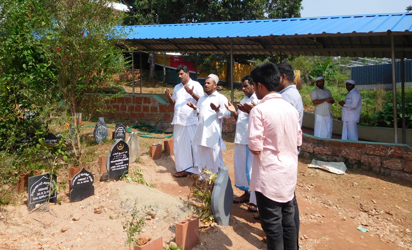 Many people converged to pay respects at Faisal's grave