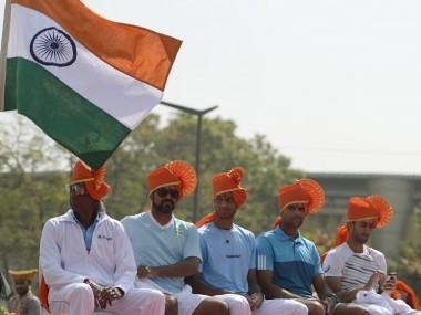 India non-playing captain Anand Amritraj (L) and players Leander Paes (2L), Ramkumar Ramanathan (C), Vishnu Vardhan and Yuki Bhambri (R) take part in the opening ceremony of the Davis Cup. AFP