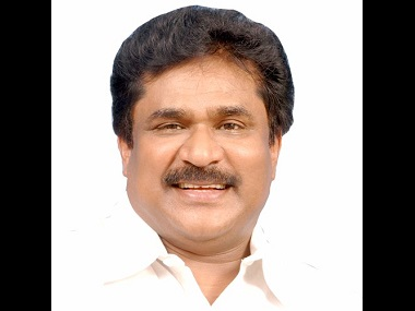 S Thirunavukkarasar says neither Sasikala nor OPS have approached the Congress for support. Image source: Twitter/ArasarINC