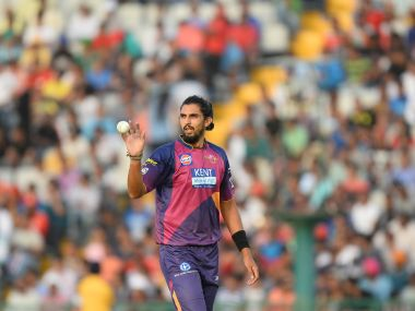 Rising Pune Supergiants Ishant Sharma walks towards the bowling end during the 2016 Indian Premier League (IPL) Twenty20 cricket match between Rising Pune Supergiants and Kings XI Punjab at The Punjab Cricket Association Stadium in Mohali on April 17, 2016 ------IMAGE RESTRICTED TO EDITORIAL USE - STRICTLY NO COMMERCIAL USE- / AFP PHOTO / SAJJAD HUSSAIN