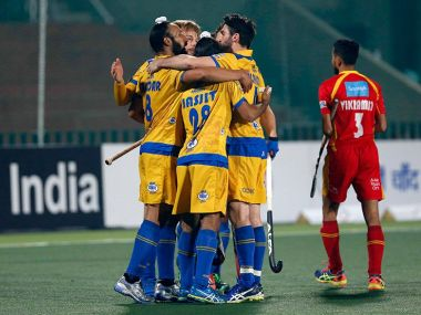 JP Warriors players celebrate win over Ranchi Rays. Twitter/ @HockeyIndiaLeag