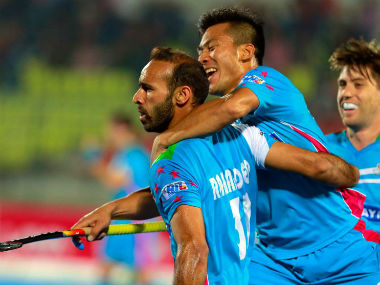 After drawing 4-4, Uttar Pradesh Wizards will face Kalinga Lancers in semi-final. Twitter: @HocleyIndiaLeag