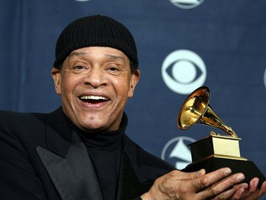 (FILES) This file photo taken on February 11, 2007 shows singer Al Jarreau posing with his trophy at the 49th Grammy Awards in Los Angeles . Al Jarreau, famed R&B and jazz singer died on February 12, 2017. / AFP PHOTO / GABRIEL BOUYSGABRIEL BOUYS/AFP/Getty Images