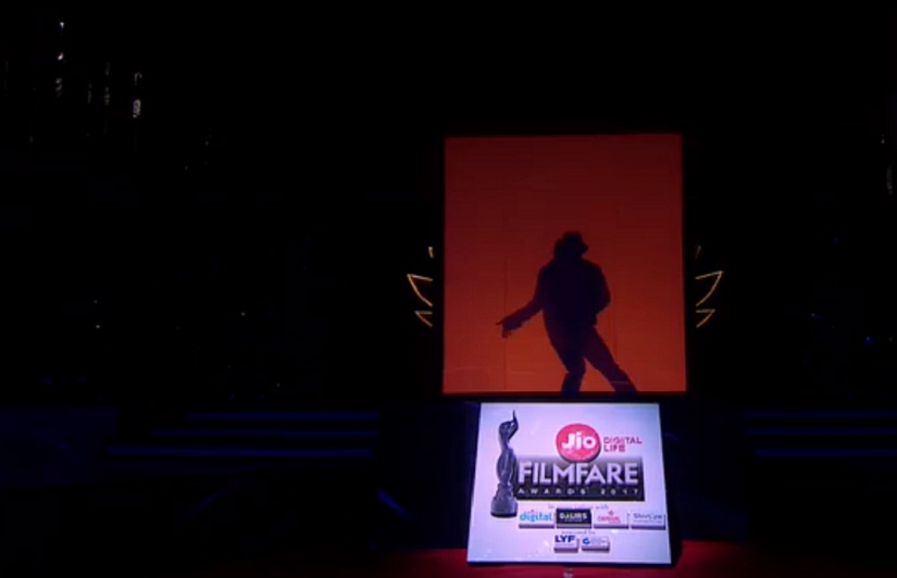 Tiger Shroff pays a tribute to Michael Jackson through a shadow dance