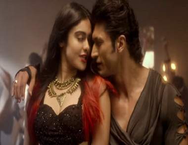 Adah Sharma and Vidyut Jammwal in a still from Hare Krishna Hare Ram. YouTube