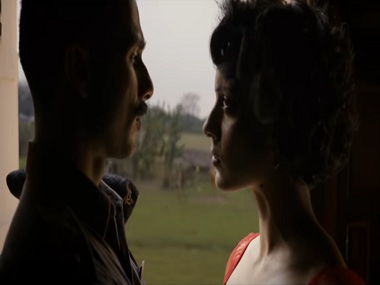 Shahid Kapoor and Kangana Ranaut in a still from Tippa. YouTube
