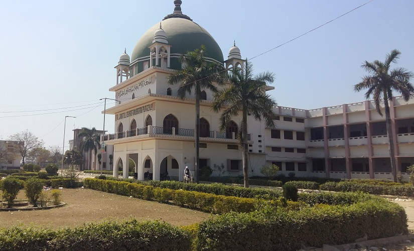 Jamiatul Ashrafia, the top educational institution of Barelvi Islam in India, has more than 11,000 students on its rolls in schools and colleges controlled by it in and around Mubarakpur. Firstpost/Tufail Ahmed
