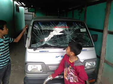 Post poll violence erupts in Khangabok. Picture courtesy: Amukhoma Ngangbom