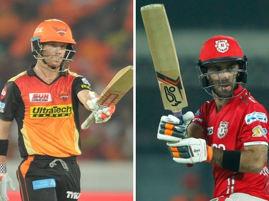 Sunrisers Hyderabad captain David Warner (L) and Kings XI Punjab skipper Glenn Maxwell