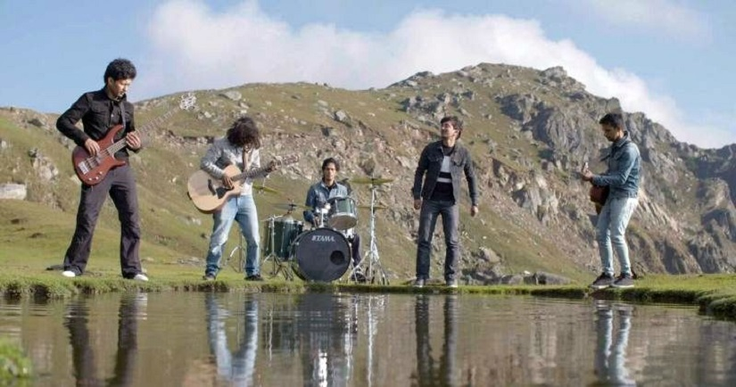 Stills from ISPAT's music video for 'Bulbule'. YouTube sceengrabs