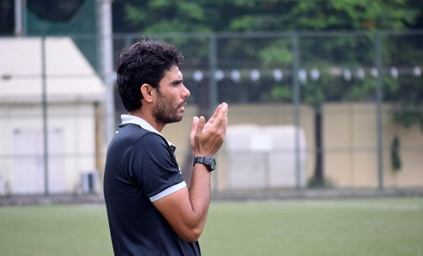 Khalid Jamil offering prayers during a Mumbai League game between his Mumbai FC side and Central Bank of India in 2016. Image Courtesy: Mumbai FC