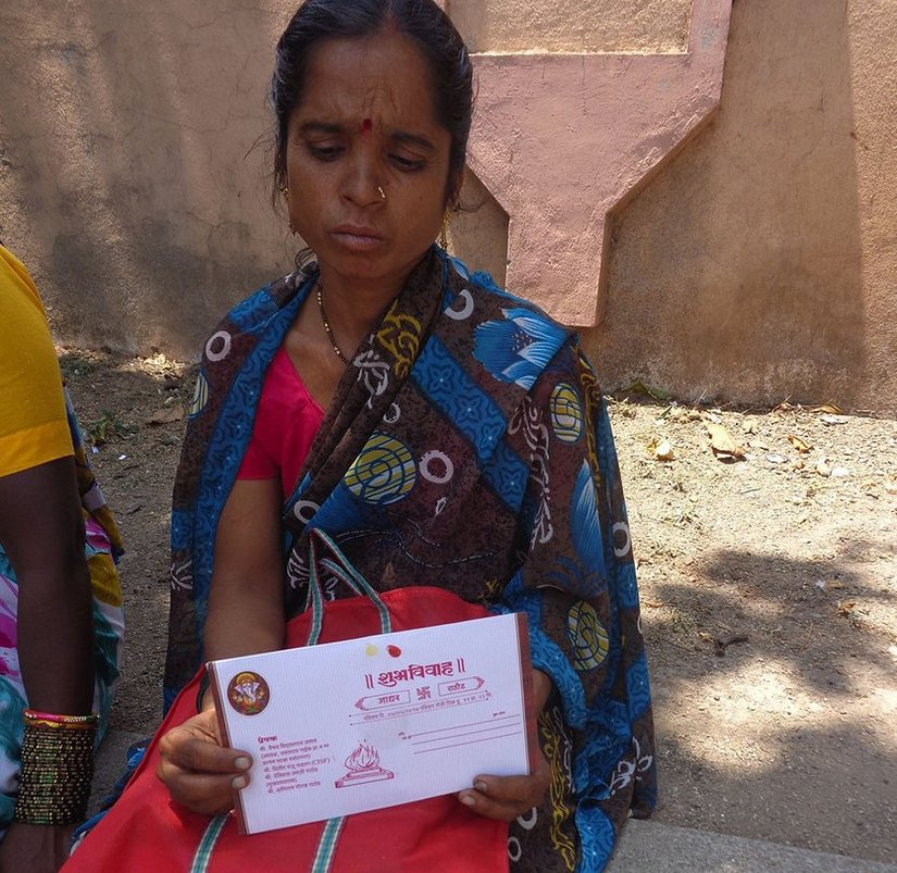 Sunita Jadhav of Jalkut village: 'My daughter is getting married on May 7. I am not going back without my money'. Parth MN