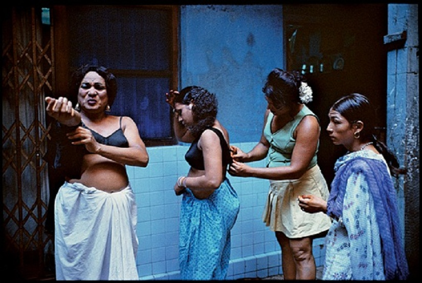 The original image by Mary Ellen Mark