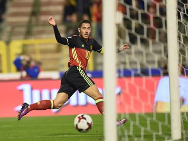 Belgium's forward Eden Hazard scores during the FIFA World Cup 2018 football qualification match between Belgium and Bosnia and Herzegovina, at the King Baudouin Stadium, on October 7, 2016 in Brussels. / AFP PHOTO / JOHN THYS