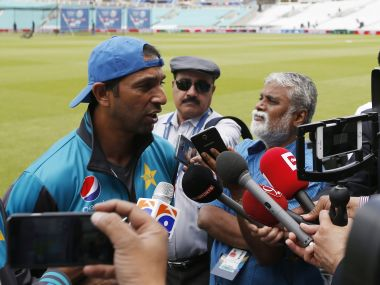 Britain Cricket - Pakistan Nets - The Oval - June 16, 2017 Pakistan's bowling coach Azhar Mahmood talks with the media Action Images via Reuters / Paul Childs Livepic EDITORIAL USE ONLY. - RTS17C1V