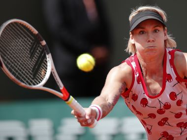 Bethanie Mattek-Sands of the U.S. plays a shot against Petra Kvitova of the Czech Republic during their second round match of the French Open tennis tournament at the Roland Garros stadium, in Paris, France. Wednesday, May 31, 2017. (AP Photo/Christophe Ena)