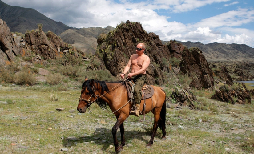 Vladimir Putin rides a horse bare-chested. Image courtesy: Flickr Jedimentat44