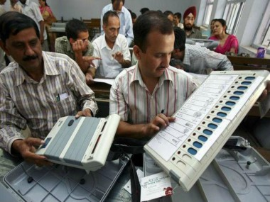 "EVM demonstration during the ""Hackathon"". News18"