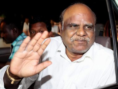 Coimbatore: Former Calcutta high court judge CS Karnan, facing the contempt case after he accused 20 judges of the high judiciary including those currently serving in the Supreme Court of corruption, is being arrested in the outskirts of Coimbatore on Tuesday. PTI Photo (PTI6_20_2017_000203B)
