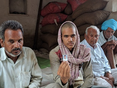 Chain Ram Patidar's family mourn the 23-year-old's death. Firstpost/Debobrat Ghose