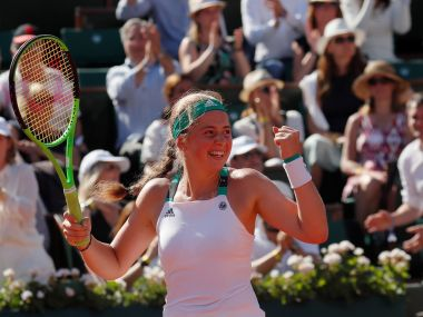 Tennis - French Open - Roland Garros, Paris, France - June 8, 2017 Latvia's Jelena Ostapenko celebrates winning her semi final match against Switzerland's Timea Bacsinszky Reuters / Gonzalo Fuentes - RTX39OH8
