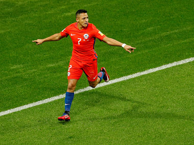 Soccer Football - Germany v Chile - FIFA Confederations Cup Russia 2017 - Group B - Kazan Arena, Kazan, Russia - June 22, 2017 Chile's Alexis Sanchez celebrates scoring their first goal REUTERS/John Sibley - RTS18938