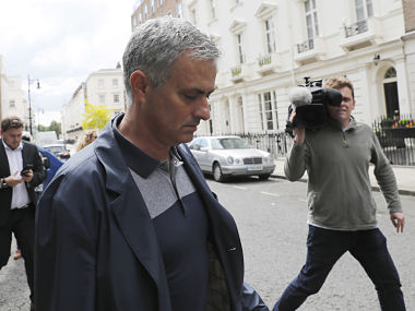 Former Chelsea manager Jose Mourinho walks to his house in London, Britain May 23, 2016. REUTERS/Stefan Wermuth TPX IMAGES OF THE DAY - RTSFJON