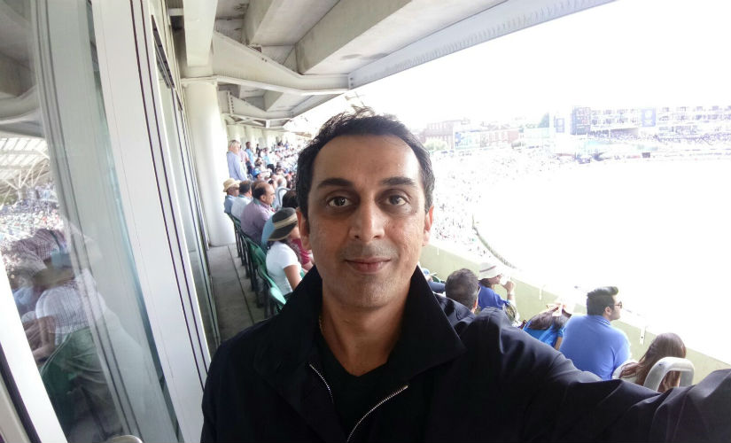 Rohan Gavaskar couldn't resist taking a selfie on his Oppo F3 from the stands at the Oval during the India-Pakistan Champions Trophy final.