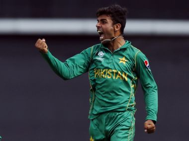 Britain Cricket - Pakistan v India - 2017 ICC Champions Trophy Final - The Oval - June 18, 2017 Pakistan's Shadab Khan celebrates after Sarfraz Ahmed caught out India's Kedar Jadhav Action Images via Reuters / Andrew Boyers Livepic EDITORIAL USE ONLY. - RTS17KBT