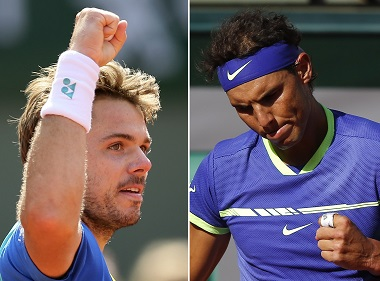 Switzerland's Stan Wawrinka clenches his fist as he plays Britain's Andy Murray during their semifinal match of the French Open tennis tournament at the Roland Garros stadium, Friday, June 9, 2017 in Paris. (AP Photo/David Vincent)