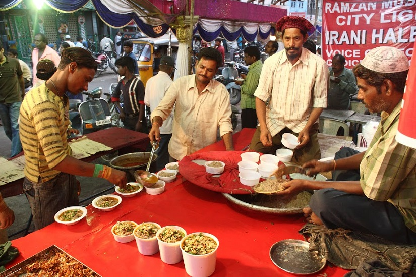 Makeshift stalls selling haleem have sprung up everywhere. Photos: Vinay Kumar