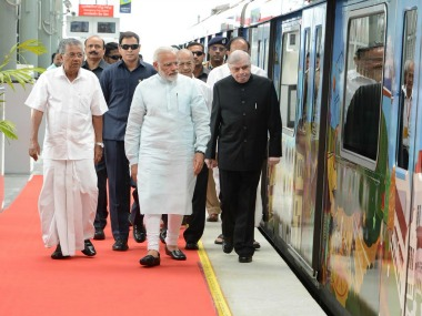 Narendra Modi with Kerala chief minister Pinarayi Vijayan and other dignitaries at the launch of Kochi Metro. Twitter @CMOKerala
