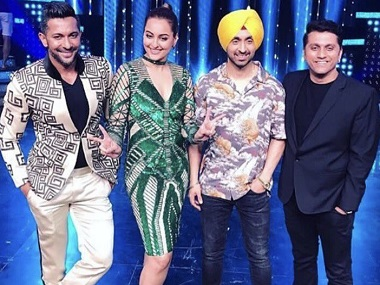Diljit Dosanjh with the judges of Nach Baliye. Image from Twitter.
