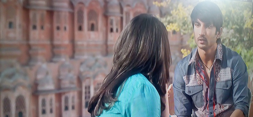 A still from Shudh Desi Romance which has Hawa Mahal in the backdrop