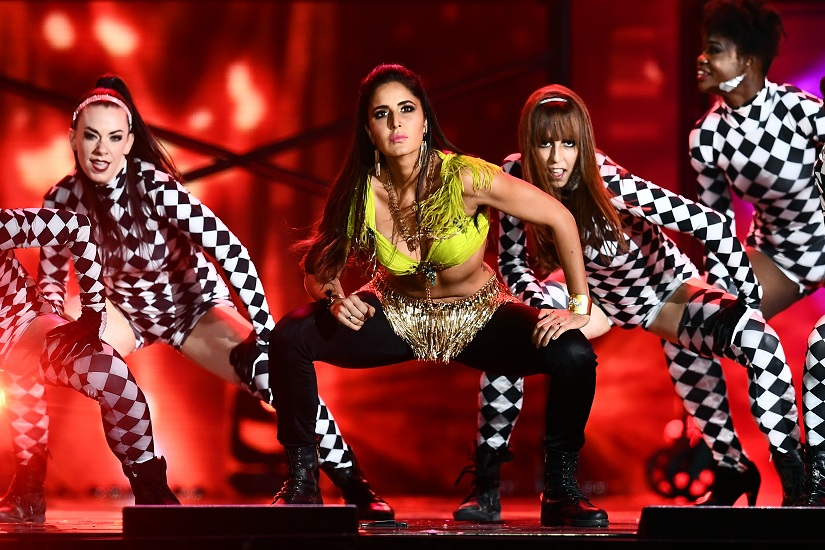 Bollywood actress Katrina Kaif performs during the 18th International Indian Film Academy (IIFA) Festival at the MetLife Stadium in East Rutherford, New Jersey, on July 15, 2017. / AFP PHOTO / Jewel SAMAD / AFP PHOTO / JEWEL SAMAD