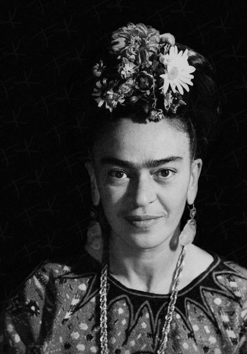 frida kahlo femininity and feminism why the painter is. Black Bedroom Furniture Sets. Home Design Ideas