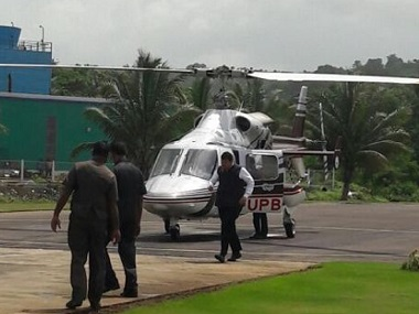 The chopper which Devendra Fadnavis was to alight from Alibaug. Image courtesy: Sanjay Sawant