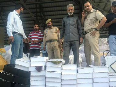 Over 25 kg of heroine was seized in Uri. Image courtesy: Jammu and Kashmir Police