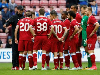 Soccer Football - Wigan Athletic vs Liverpool - Pre Season Friendly - Wigan, Britain - July 14, 2017 Liverpool manager Juergen Klopp speaks to his players before the match Action Images via Reuters/Craig Brough - RTX3BIJ7