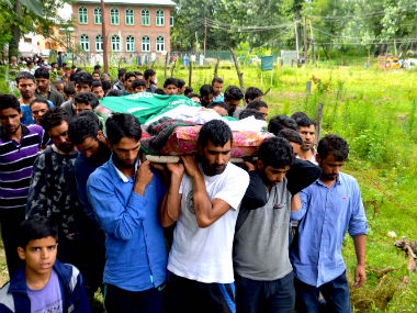 Villagers carry the dead body of Mohammad Abdullah Ganai, 60, who was hit by a bullet when army fired at protesters. Image courtesy: Hilal Shah