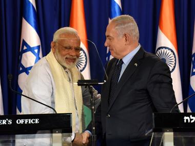 Narendra Modi (L) and his Israeli counterpart Benjamin Netanyahu. Reuter