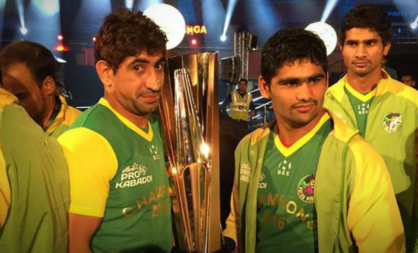 The victorious members of the Patna Pirates team pose with the trophy after the final. Image courtesy: Patna Pirates via Facebook