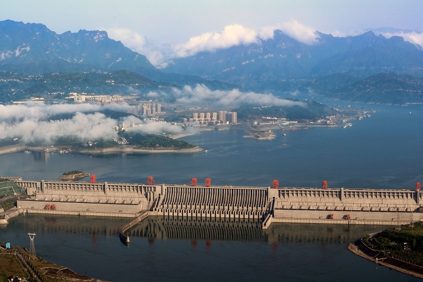 A general view shows the Three Gorges Dam on the Yangtze River in Yichang, Hubei province, China May 4, 2017. Picture taken May 4, 2017. REUTERS/Stringer ATTENTION EDITORS - THIS IMAGE WAS PROVIDED BY A THIRD PARTY. CHINA OUT. NO COMMERCIAL OR EDITORIAL SALES IN CHINA. - RTX39XHR